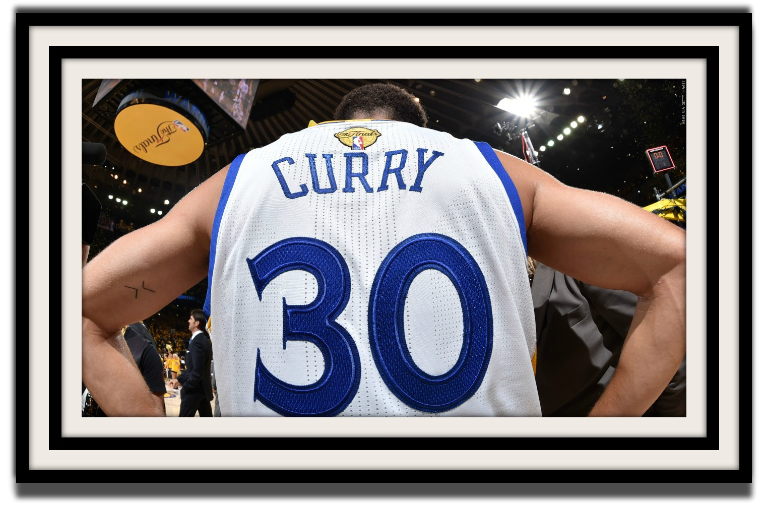 150617163206-stephen-curry-from-behind-finals-061715.1200x672 - 9